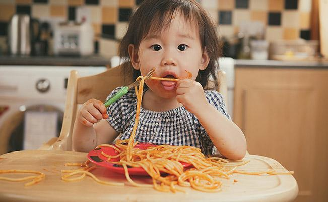 Tips For Getting Your Child To Eat Alone